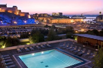 marseille radission blu swimmingpool