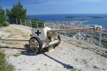 Anti-aircraft gun on Mont Faron