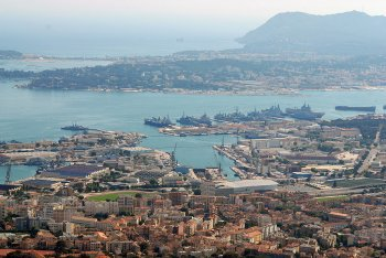 naval-harbour-of-toulon