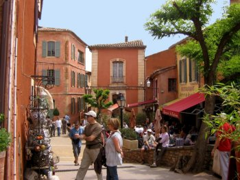 Roussillon shops