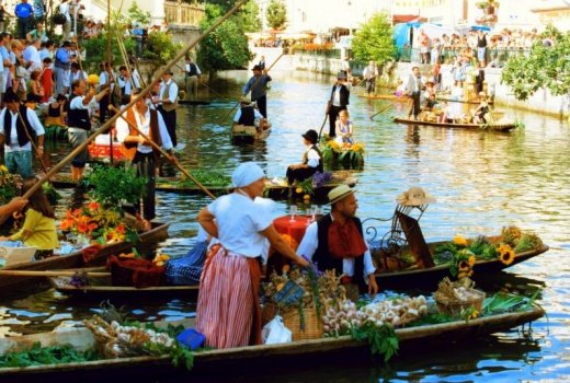 The floating market at L'Isle sur la Sorgue